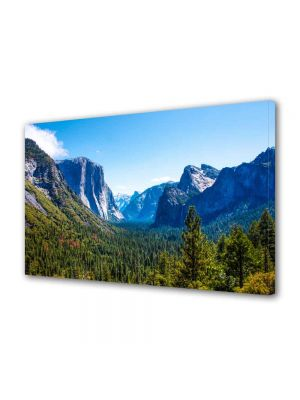 Tablou Canvas Peisaj Valea dintre munti